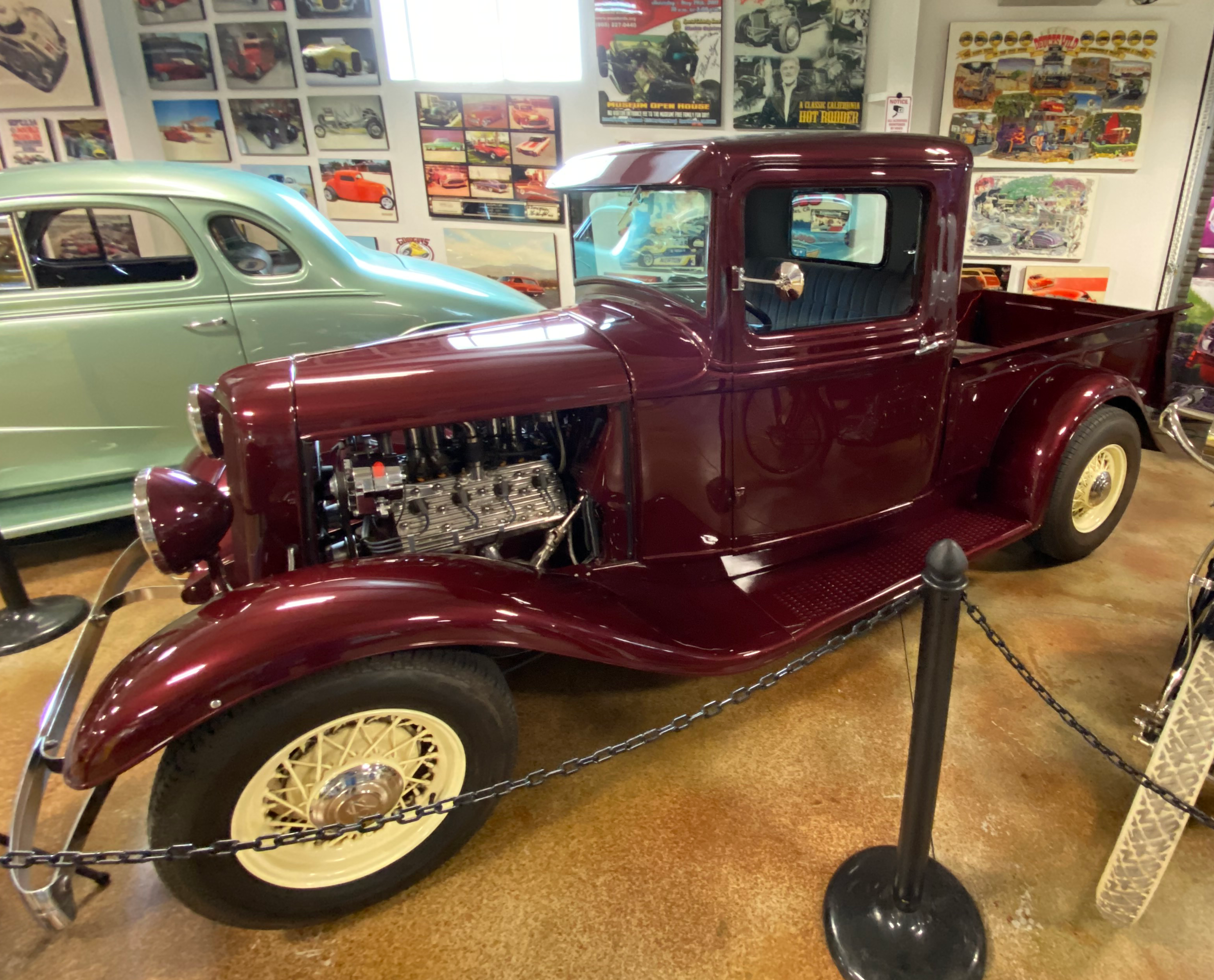 Larry Eastwood's 33 Ford